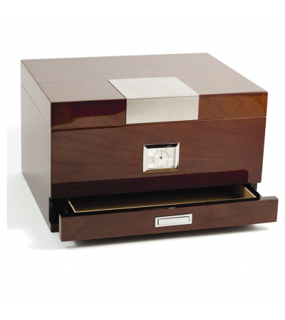 Lacquered Walnut Wood 60 Cigar Humidor w/Cedar Lining